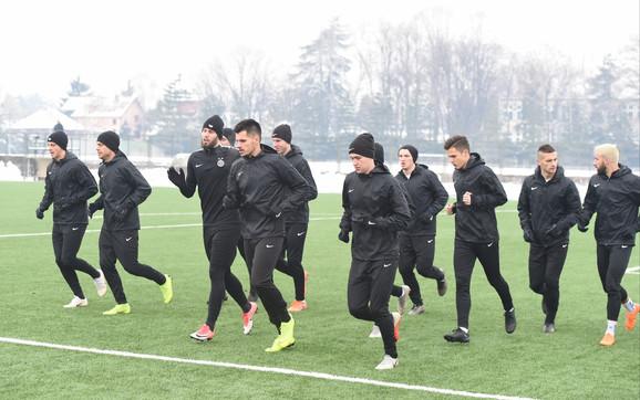 Fudbaleri Partizana na treningu