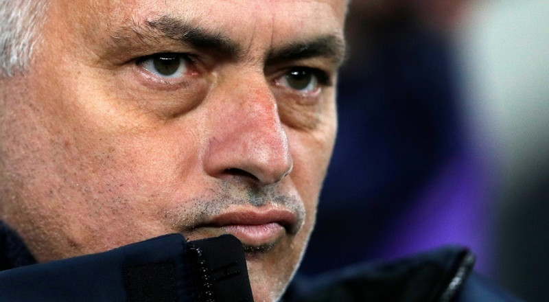 Mourinho uses injury woes to escape inspection of Spurs style
