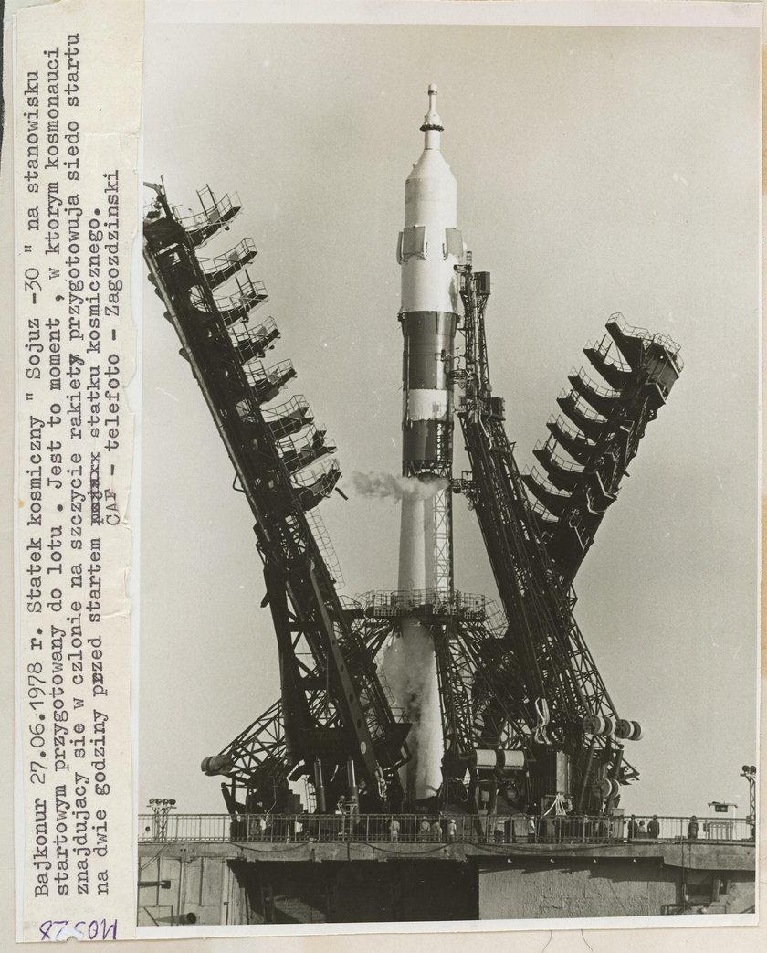 Hermaszewski w kosmosie na zdjęciach
