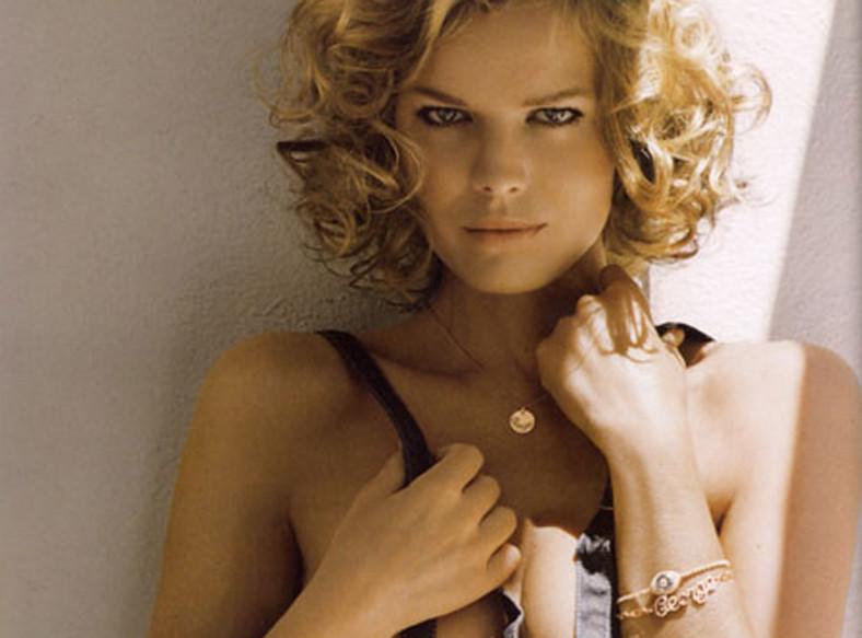 """Zobacz Evę Herzigovą w sesji dla """"Vogue"""""""