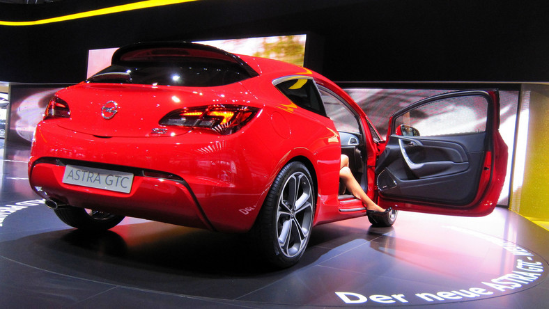 We Frankfurcie Opel oficjalnie pokazał światu astrę GTC w wersji seryjnej