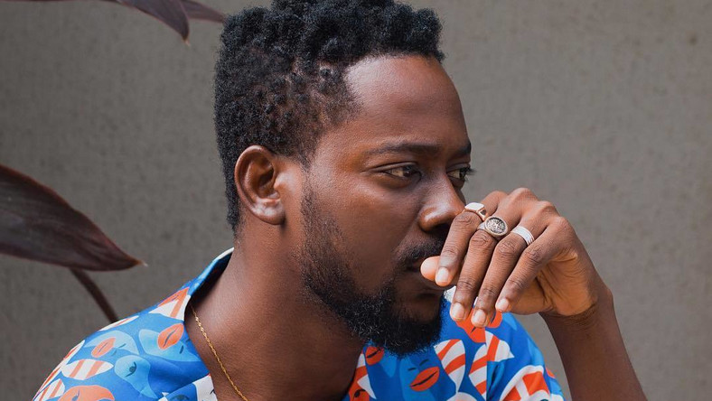One of the saddest news you'd read today is that of Adekunle Gold reportedly losing his father, Prince Hakeem Adeyemi Kosoko to the cold hands of death [Instagram/AdekunleGold]