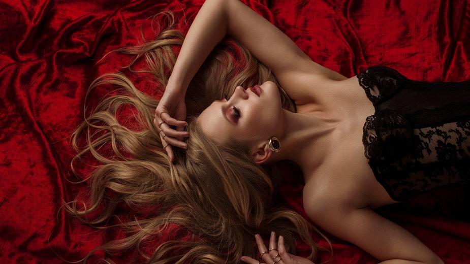 Odważna bielizna erotyczna nie tylko na noc poślubną