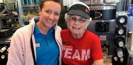 Jej dzieci są na emeryturze, a ona nie chce. 94-latka obsługuje w McDonaldzie