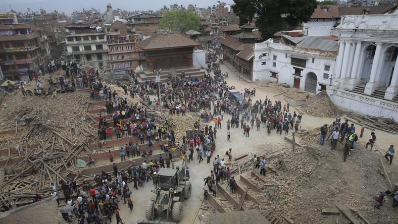 Po trzęsieniu ziemi w Nepalu MSZ uruchamia specjalną infolinię