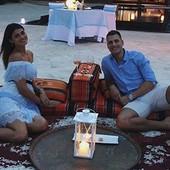 GORELI SU MALDIVI ZBOG VERIDBE ZA PAMĆENJE Srpski košarkaš zaprosio zgodnu manekenku (VIDEO)