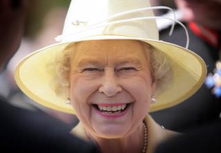 Elżbieta II, Bono, Madonna zamieszani w skandal 'Paradise Papers'