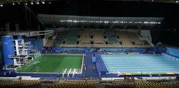 Co dzieje się w Rio!? Woda w basenie zmieniła kolor!