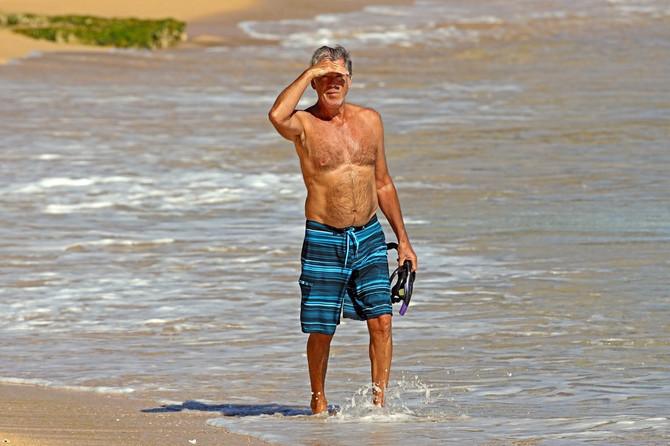 Pirs Brosnan na Havajima