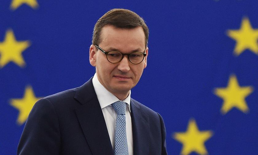 Wicepremier Jarosław Gowin namieszał, premier Mateusz Morawiecki stara się to odkręcić