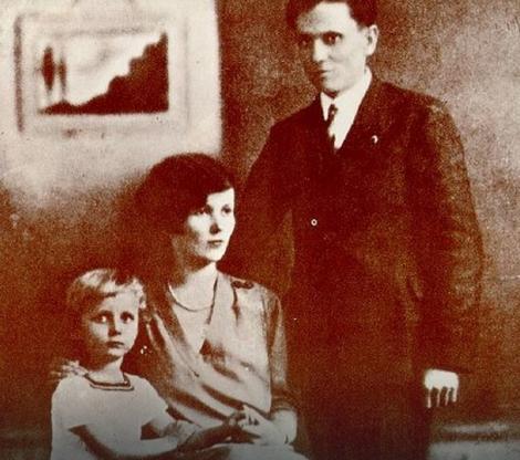 Tito i Pelagija sa sinom Žarkom