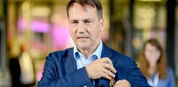 """Radek Sikorski żali się na ciężką pracę. """"Urlop mam dopiero w sierpniu"""""""