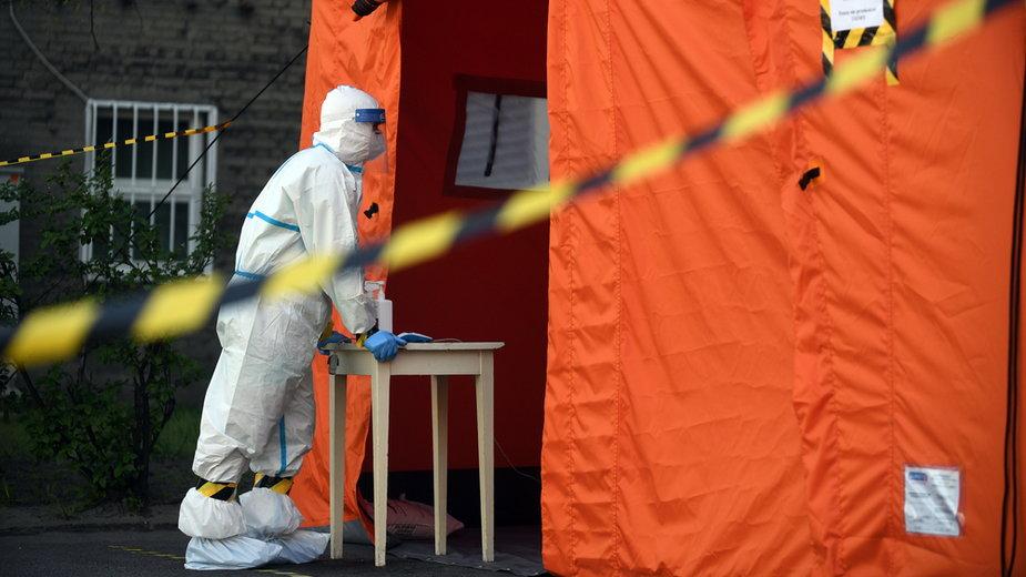 Kolejny rekord - na Mazowszu odnotowano w ciągu ostatniej doby ponad dwa tys. nowych zakażeń koronawirusem