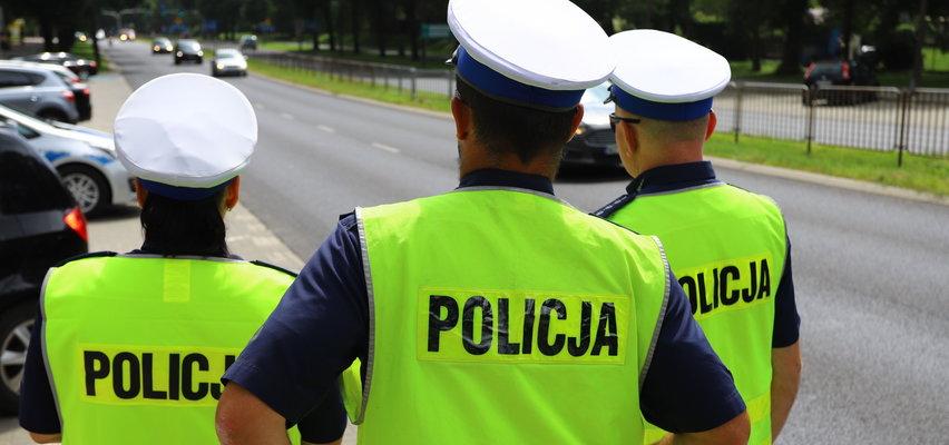 """Setki policjantów przebywa na zwolnieniach lekarskich. Sami mówią, że dopadła ich """"psia grypa"""". O co im chodzi?"""