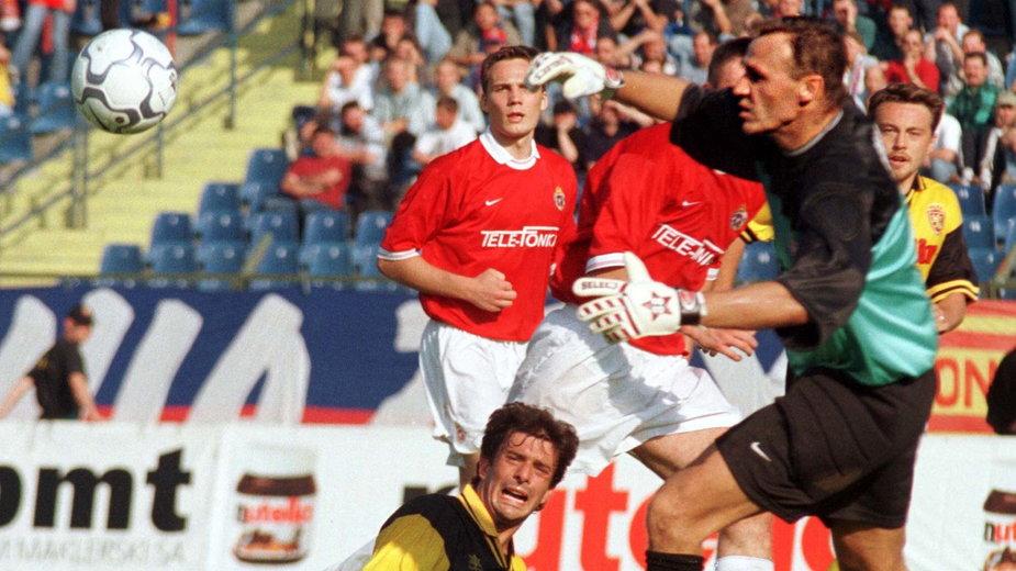 Artur Sarnat w trakcie meczu z Realem Saragossa