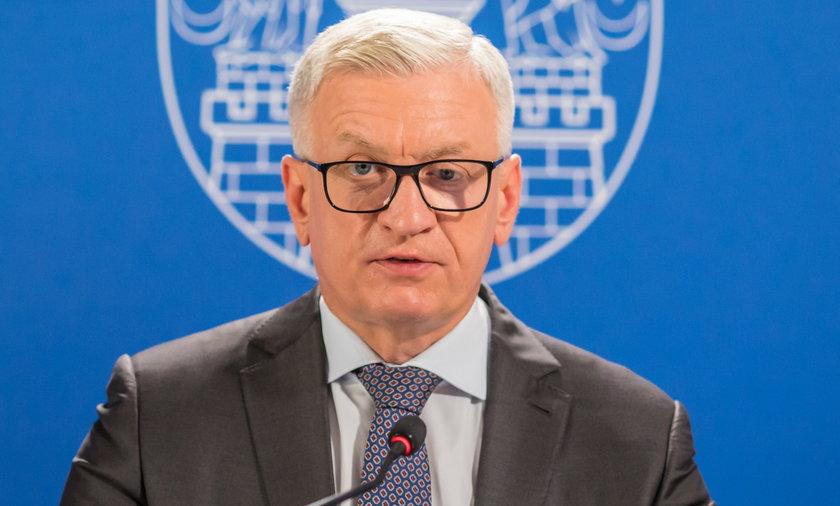 Prezydent Poznania Jacek Jaśkowiak podwyższył pensje swoim zastępcom.