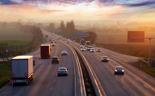 Groźne autostrady. Będą zmiany w przepisach i kary za jazdę na zderzaku