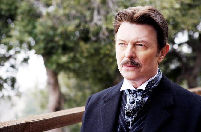 Dejvid Bouvi kao Nikola Tesla
