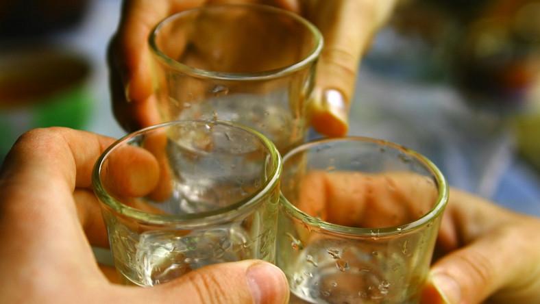 Mocny alkohol nie poprawia trawienia