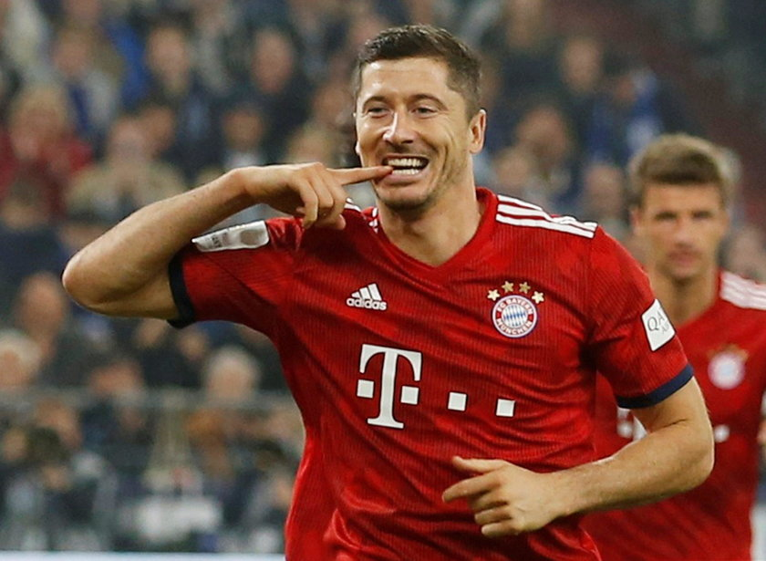 Bundesliga - Schalke 04 v Bayern Munich