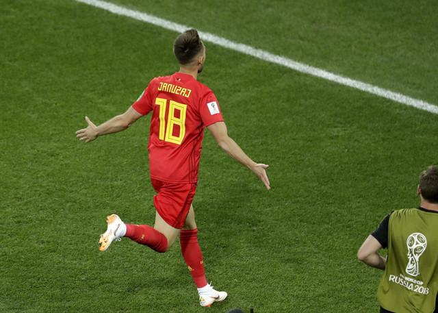Adnan Januzaj slavi gol protiv Engleske