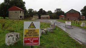 Angielska wioska, którą zabrano rolnikom i zamieniono w poligon wojskowy