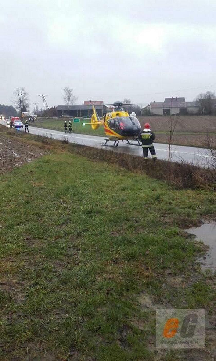 Wypadek autobusu w Garwolinie. W środku były dzieci!