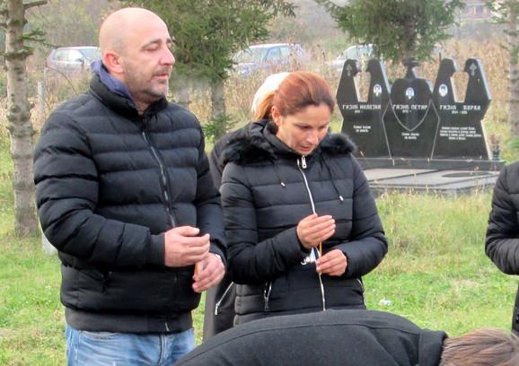Roditelji Milan i Zorica Nikodinović