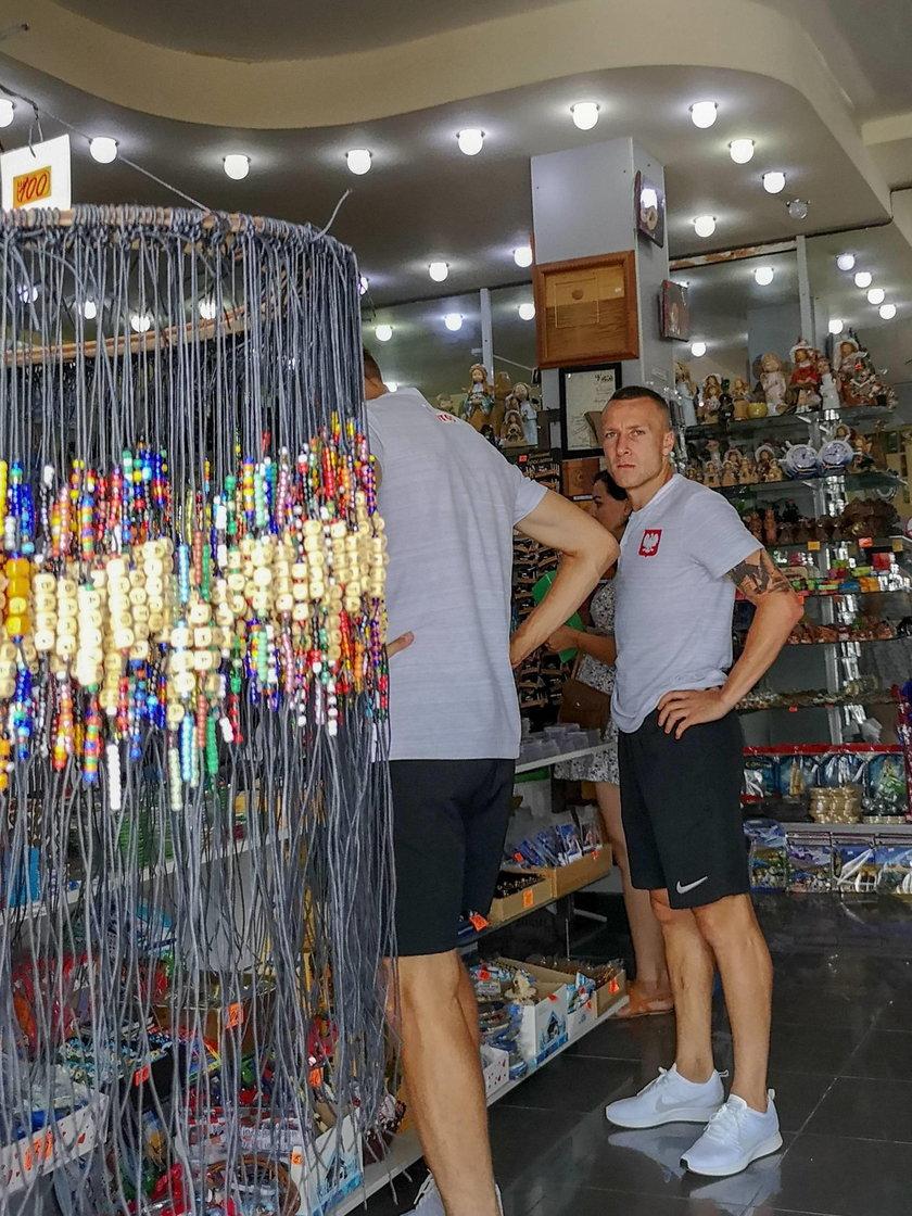 Mundial 2018 w Rosji: Góralski i Teodorczyk na zakupach w Soczi