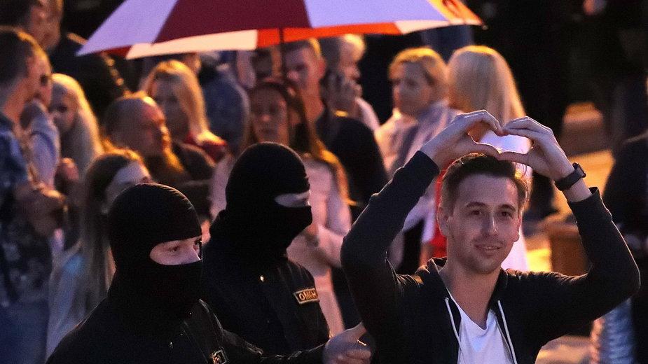 Milicja znów zatrzymuje na demonstracjach w Białorusi