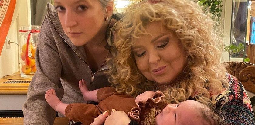 """""""Nie podoba mi się słowo babcia"""". Magda Gessler kocha wnuczkę ponad wszystko, ale..."""