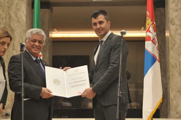 Ambasador Alžira Abdelahamid Šebšub i ministar Zoran Đorđević