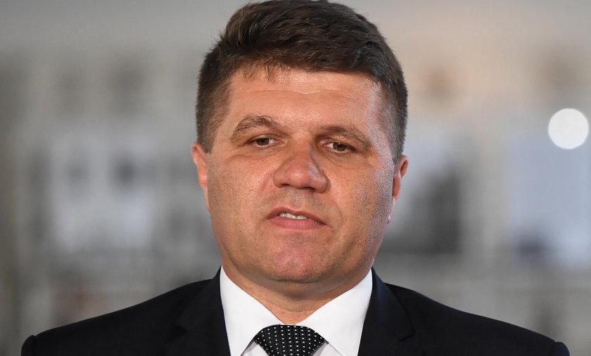 Burmistrz Wielunia wrócił z urlopu we Włoszech. Panika w urzędzie