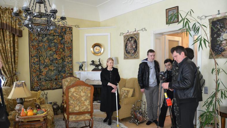 Julia Tymoszenko zaprasza do swojej posiadłości (źródło: facebook.com/bezparkaniv)