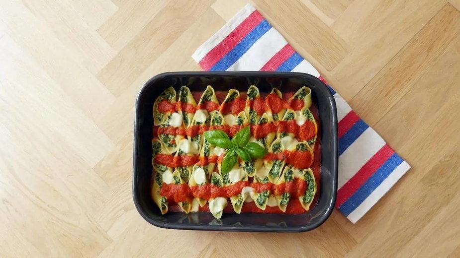 makaronowe-muszle-w-sosie-pomidorowym