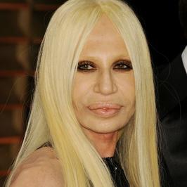 Donatella Versace pokazała swoje bardzo chude plecy