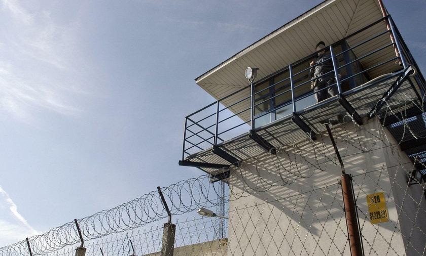 Skazany za morderstwo uciekł, gdy przebywał na przepustce z więzienia