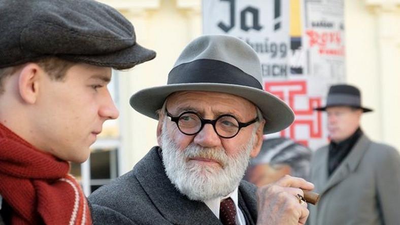 """Bruno Ganz jako Zygmunt Freud w filmie """"Trafikant"""""""