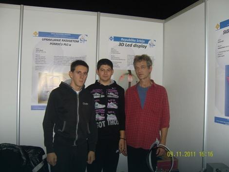 Miloš Mićić i Vladimir Serdar sa profesorom Đorđem Krsmanovićem