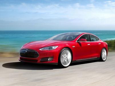 Tesla po raz pierwszy zaprezentowała Autopilota w 2015 roku