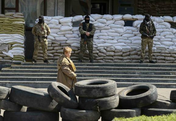 Straže proruskih demonstranata u Slavijansku