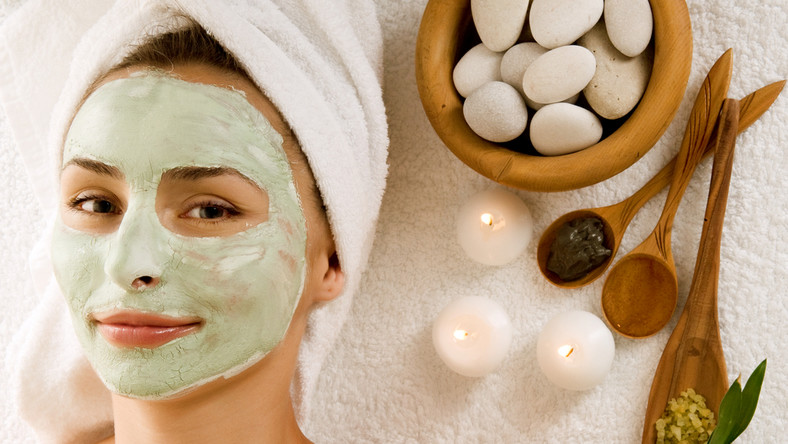 Kobiety coraz bardziej cenią sobie naturalne kosmetyki.