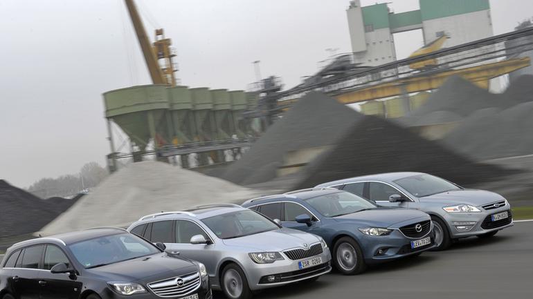 Porównanie | Ford Mondeo, Mazda 6, Opel Insignia, Skoda Superb