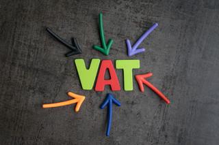 SLIM VAT, czyli miało być prościej, a jest zamieszanie. Rabaty i zwroty zmorą dla księgowych