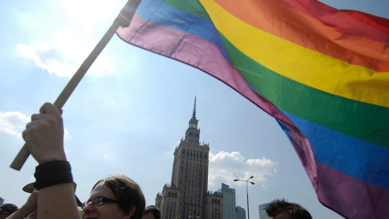 To dni gejowskich sukcesów. Niższe podatki i bezpłatne wizy