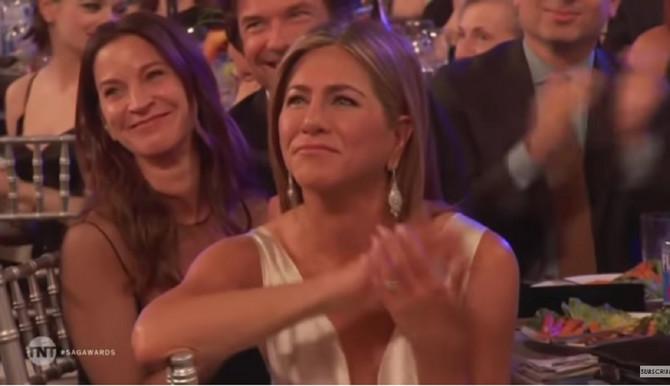 Da je mogla da se istopi, istopila bi se: Dženifer je sa mnogo emocija ispratila i pobednički govor Breda Pita na ovogodišnjem Zlatnom globusu u Los Anđelesu