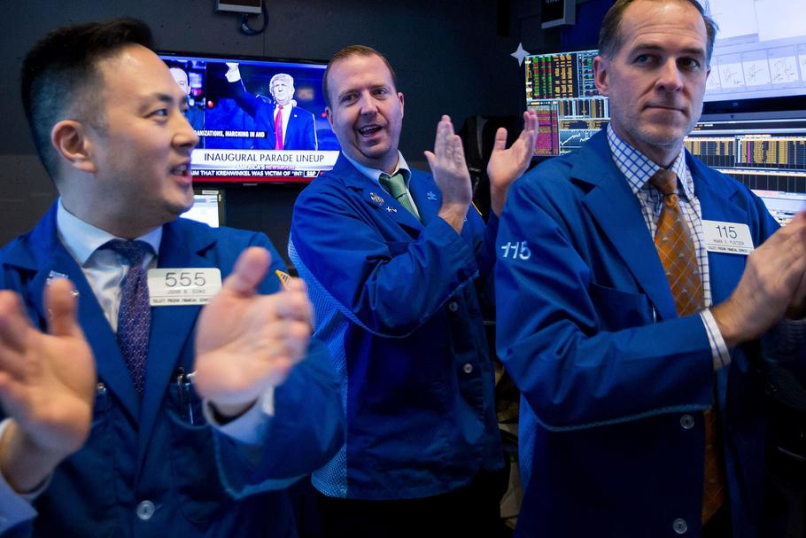 Last Day Of Trading For 2016 On The Floor Of The NYSE As U.S. Stocks Pare Yearly Gain