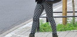 Która celebrytka ma takie spodnie?