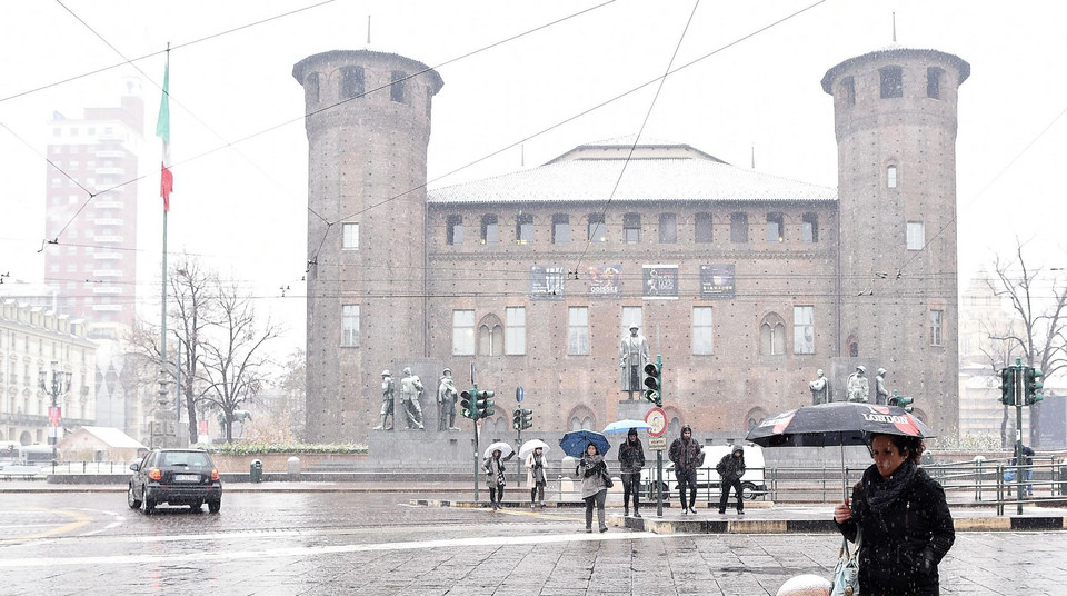 ITALY WEATHER (Snow in Turin)