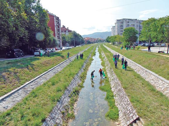 Mnogo Nišlija šeta se pored Gabrovačke reke, pa je i zato njena čistoća važna